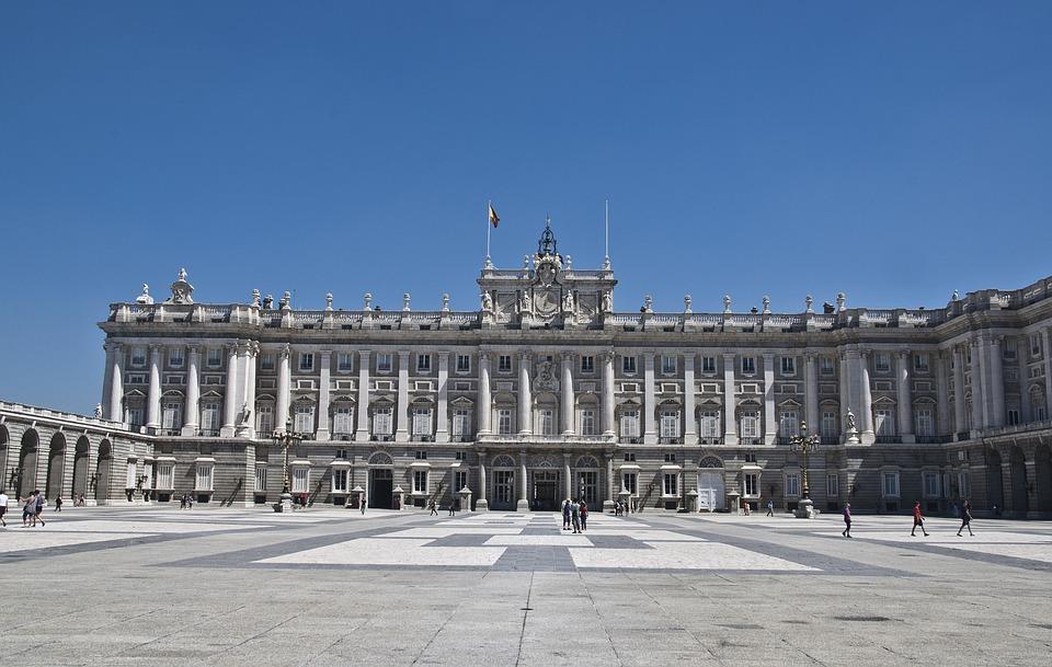 Madrid Kraliyet Sarayı: