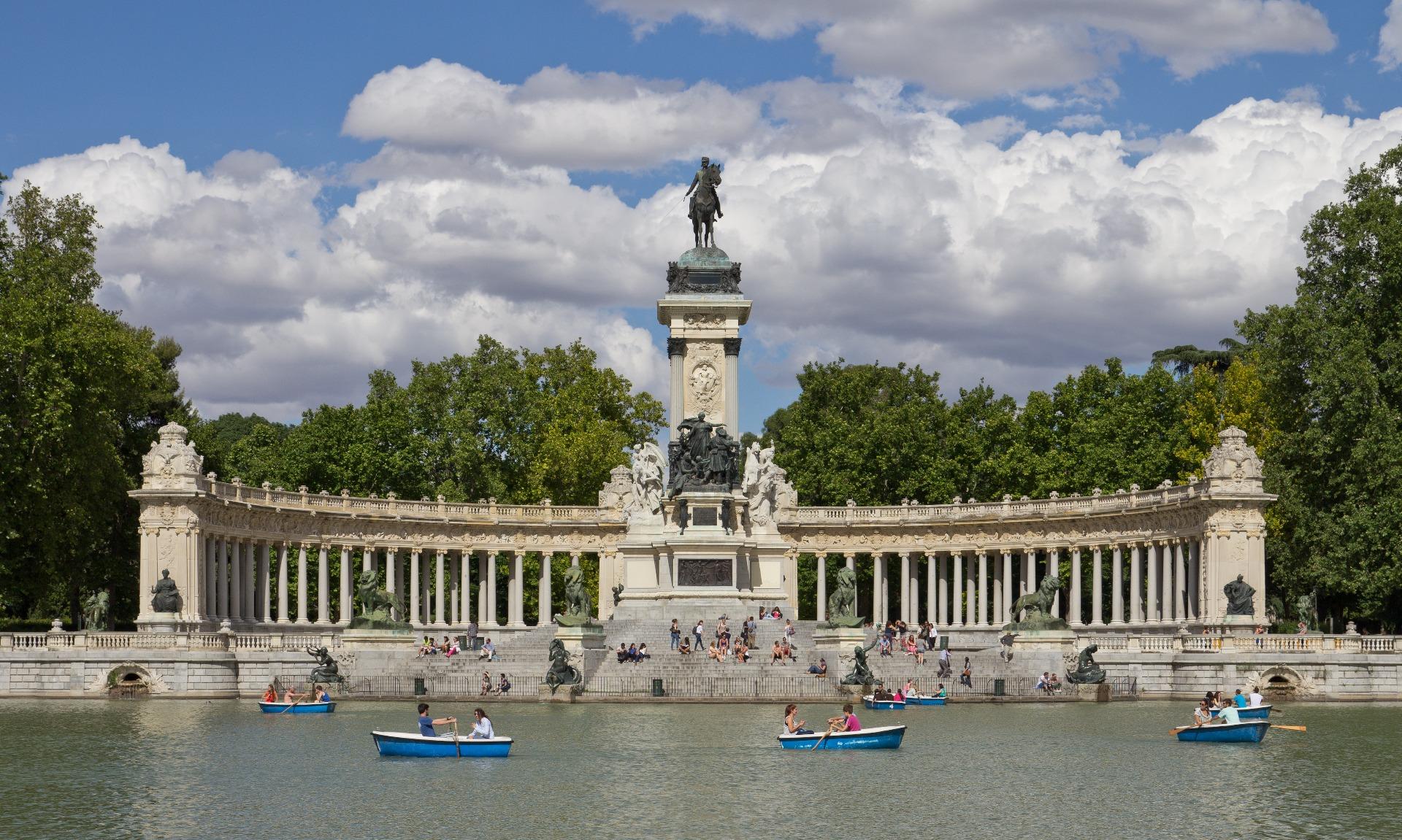 Retiro Parkı (Parque del Retiro):